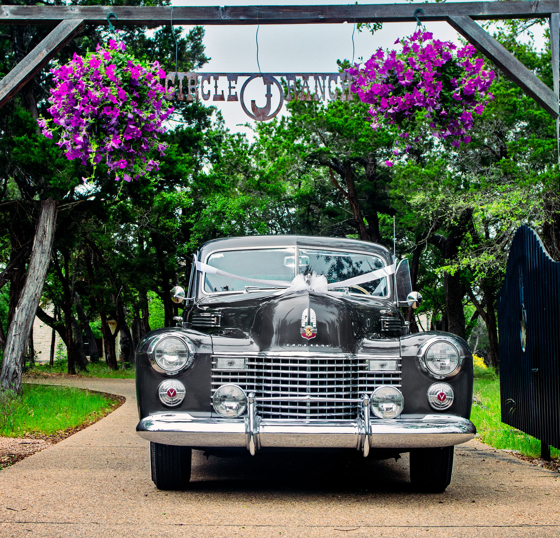 Circle J Vintage Cars | Unique Quinceanera Limos