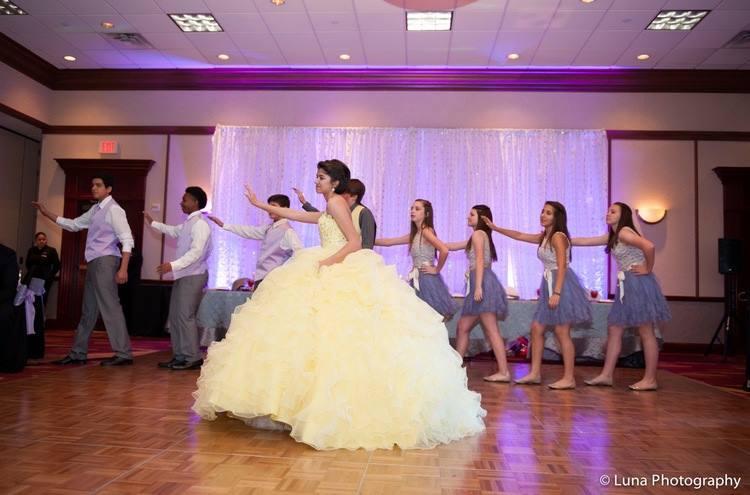 Quince Mundo quinceanera choreography