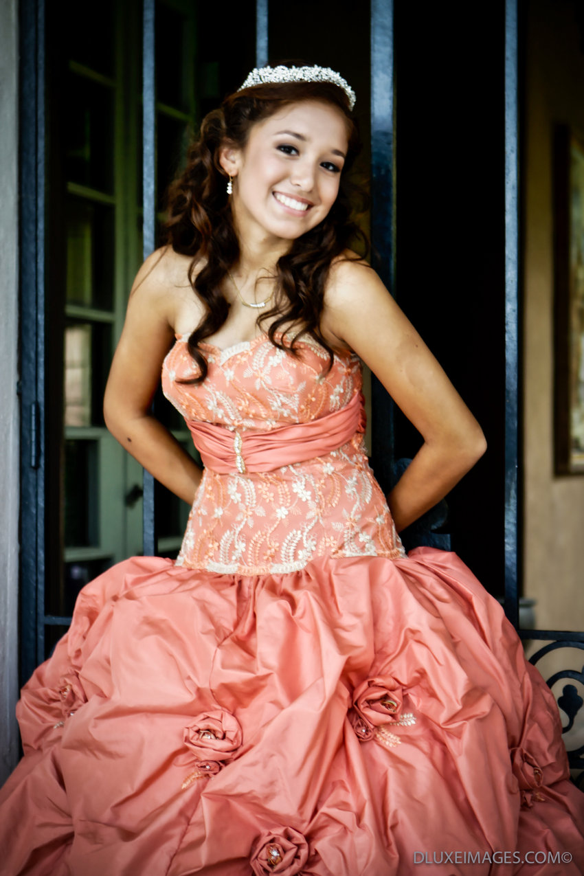dluxe quinceanera photography